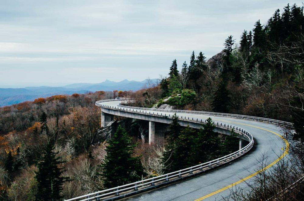 Linn Cove Viaduct of Blue Ridge Parkway road trip