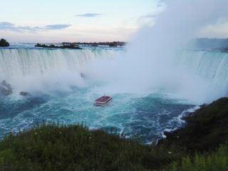 American road trip from amazing Niagara Falls to beachy Florida