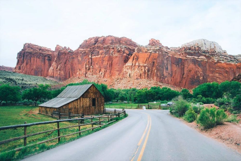 Lonely barn in Utah national park