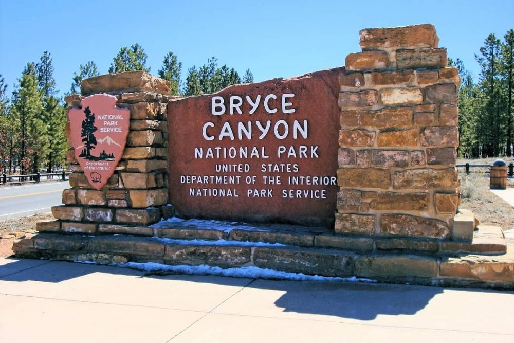 Sign for Bryce Canyon National Park