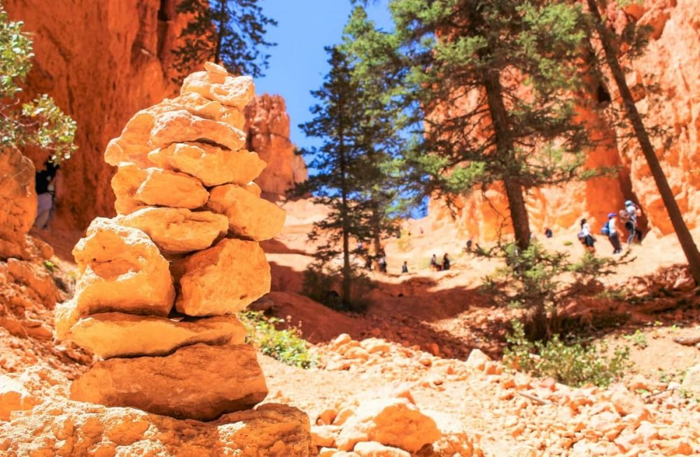 Hiking during summer in Bryce Canyon