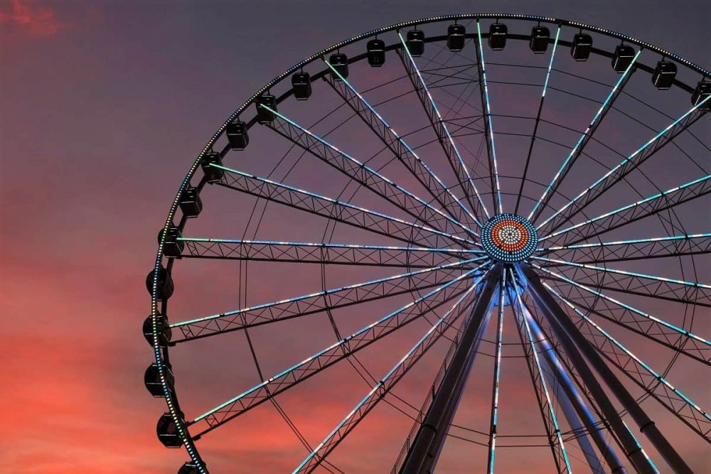 Great wheel in Tennessee during red sunset