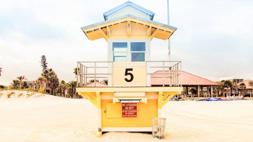 Clearwater Beach life-guard station during daytime