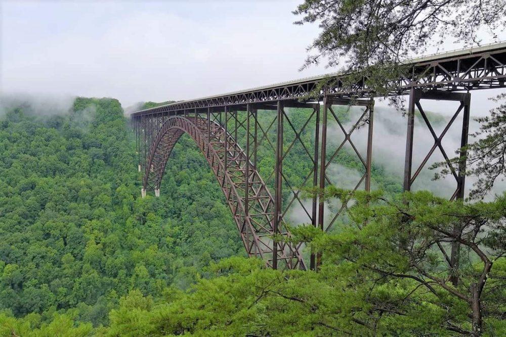 Huge steel arch bridge in West Virginia